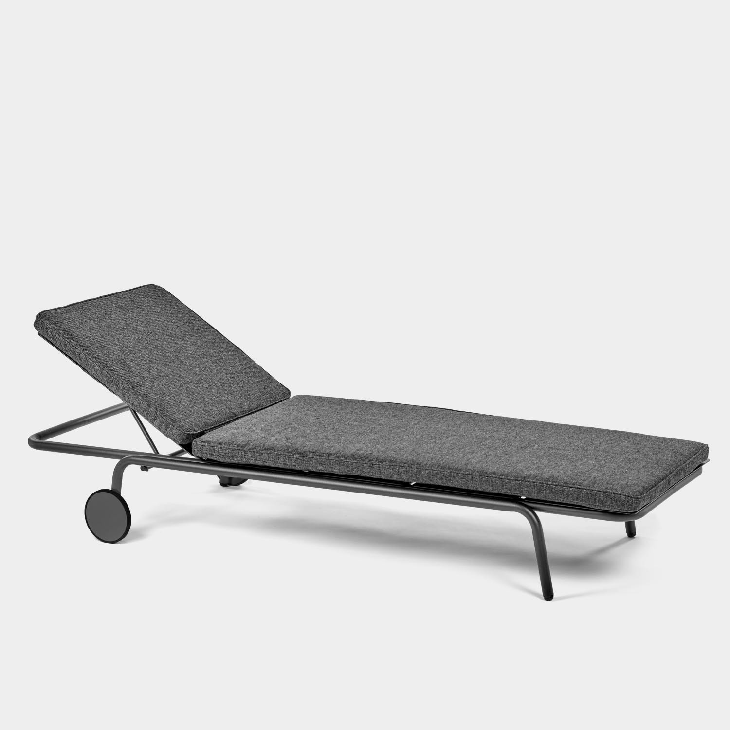 August Sunlounger, Black, with Cushion